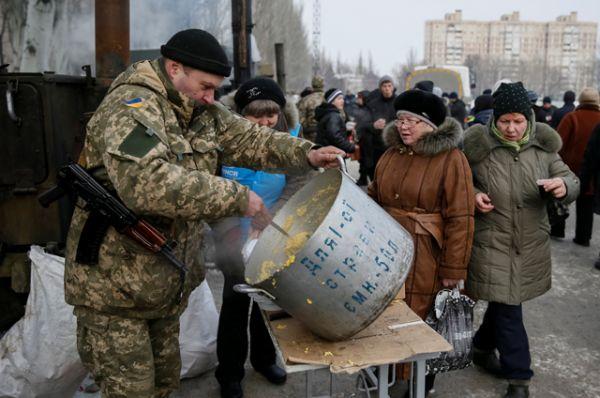 Пункты гуманитарной помощи в Авдеевке.