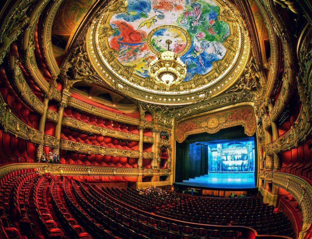 Вот, что действительно очень вдохновляет, так это Парижская национальная опера во Франции