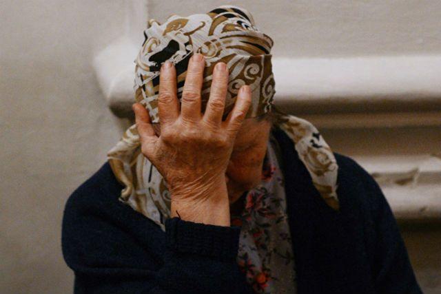 Воронежец вмаске избил беспомощную пенсионерку и похитил унеё деньги