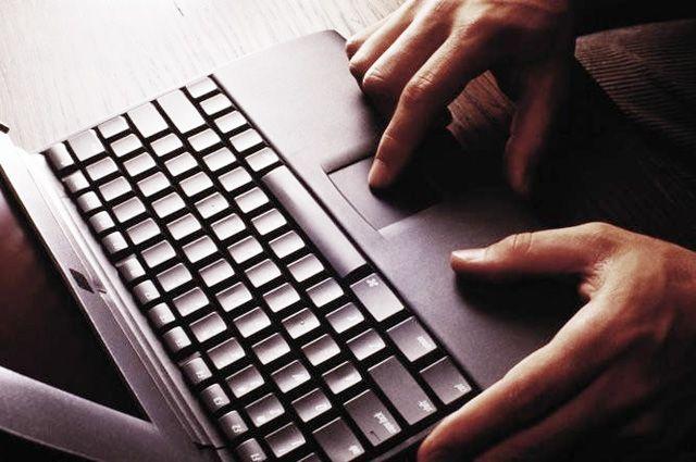 ВШадринске интернет-мошенники похитили уженщины 2 млн руб.