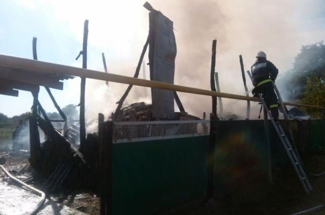 ВХанской пожарные тушили личный дом
