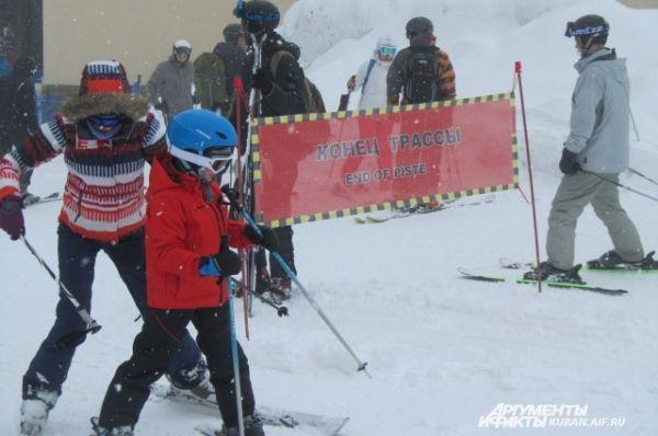 Горнолыжный сезон на Красной Поляне в феврале в самом разгаре.