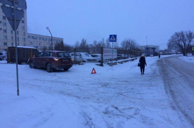 ВЧелябинске шофёр «Мицубиси» сбил женщину с сыном