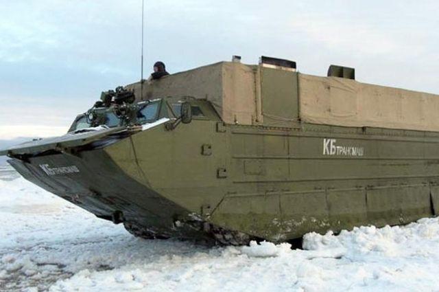 Военная техника уже доставлена в район учений.