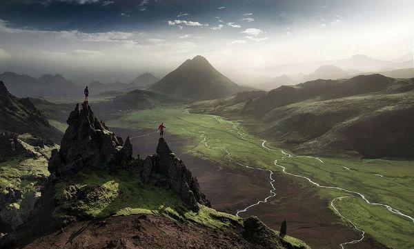 Одна из долин в Исландии. Эта местность могла встречаться вам в одном из фильмов «Властелин колец», если вы, конечно, смотрели