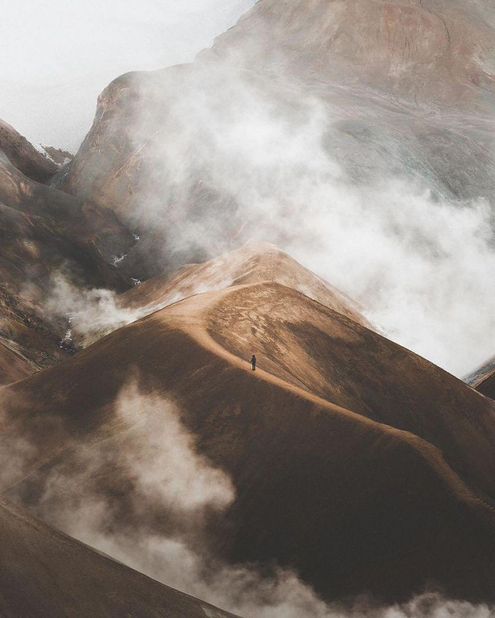 Исландия, как будто находится не на Земле, а на абсолютно неизвестной планете