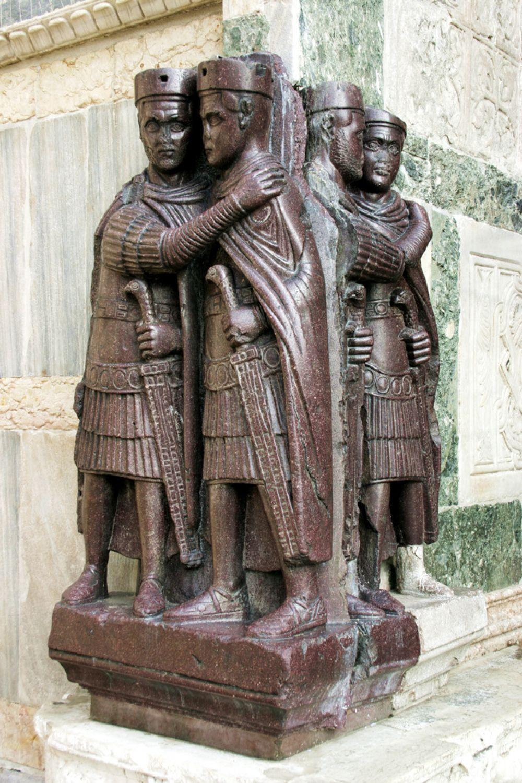 Четыре тетрарха — скульптурная композиция из тёмно-красного порфира на южном фасаде венецианского собора Сан-Марко. Статуя была изготовлена в первой половине IV века и являлась частью константинопольского Филадельфейона.