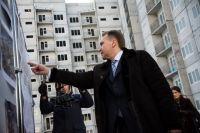 Первым делом в Анжеро-Судженске Шувалов проверил строительство микрорайона «Восточный». Вице-премьер отметил, что квартиры в новых домах должны быть разными: от студий до четырехкомнатных для больших семей.