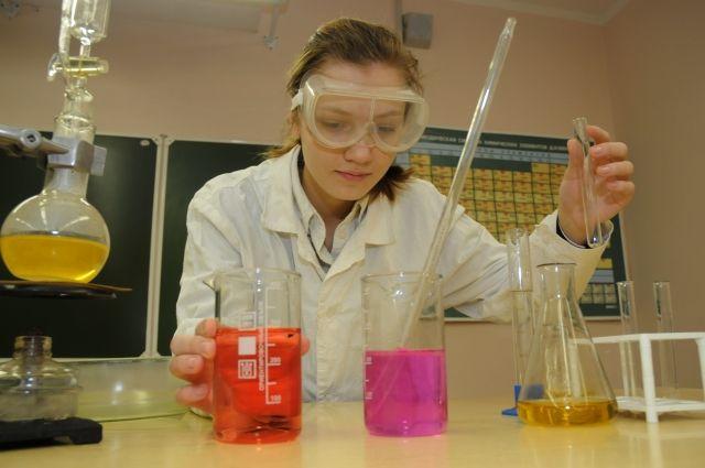 Простые первые опыты помогут ребёнку освоить основы научной деятельности.
