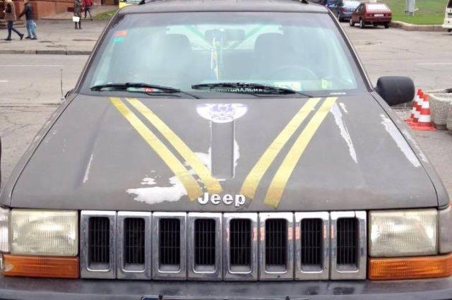 Автомобиль Jeep Grand Cherokee угнали у сотрудницы муниципальной полиции Днепра