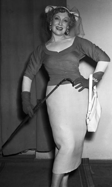 Любовь Орлова в роли Лизи Мак-Кэй в одноименном спектакле по пьесе французского писателя Жана Поля Сартра, 1955 год.