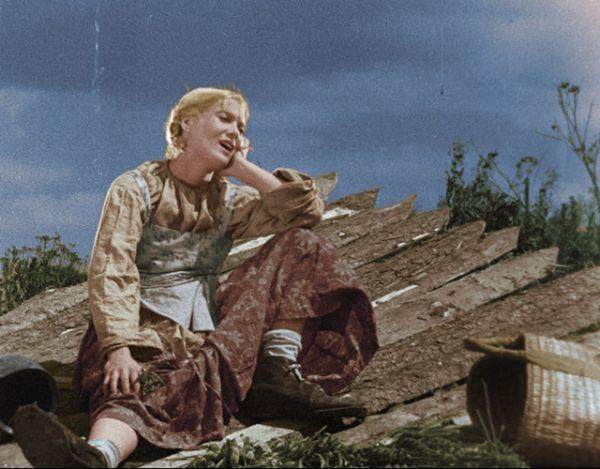 Любовь Орлова в цветной версии музыкальной комедии Григория Александрова «Весёлые ребята».