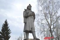 Памятник Михайле Волкову рассматривается как один из вариантов изображения для реверса юбилейной монеты.