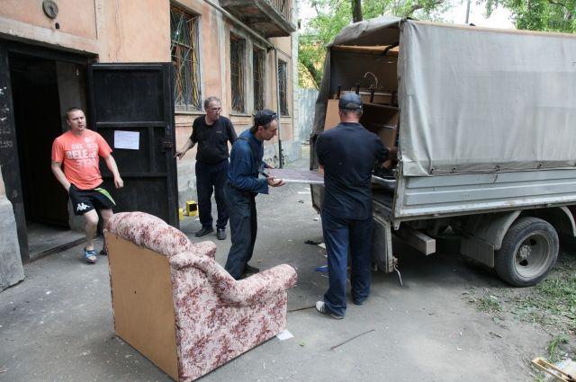 Долгожданная расстановка купленной мебели может отодвинуться по вине продавца на неопределенный срок.