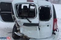 В Бугурусланском районе в ДТП с «Ладой» и «ВАЗом» пострадали два человека