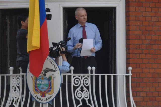 Кандидат впрезиденты Эквадора вслучае победы заставит Ассанжа покинуть посольство