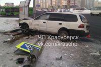 Honda и Nissan столкнулись днем 9 февраля на перекрестке улиц Линейная и Мужества.