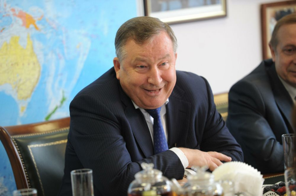 Губернатор Алтайского края Александр Карлин, в должности с 25 августа 2005 года.