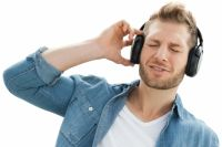 Прослушивание музыки влияет на мозг человека также как и наркотики