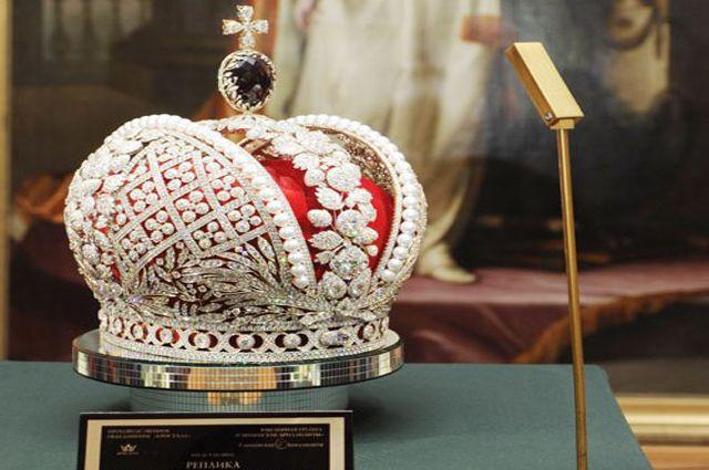 Реплика короны русской империи будет центром совместного внимания наIDWI