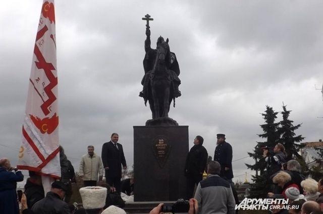 Орловскому облсуду предстоит установить законность монумента Грозному