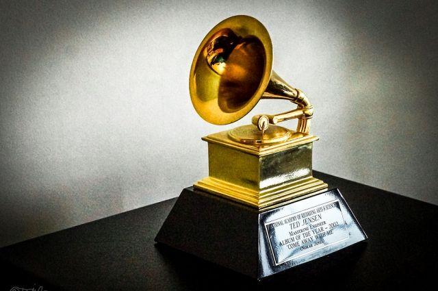 На церемонии Grammy вспомнят знаменитых артистов