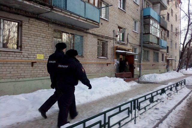 Cотрудники экстренных служб ликвидировали огонь вжилом доме наГранитной улице