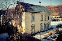 Дом на Красинцев ещё можно восстановить.