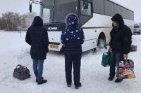 Детей сняли с рейса и разместили в гостинице.