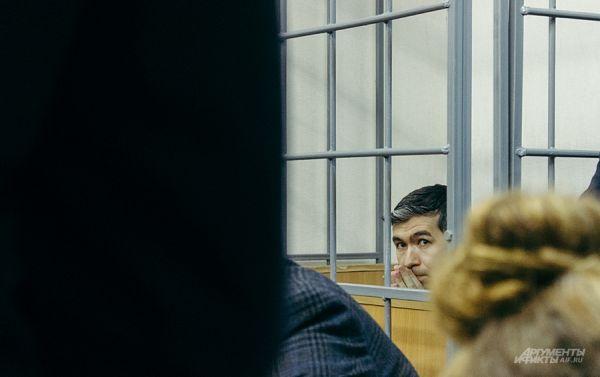 Сначала судья слушал дело Илнура Абдулманова.