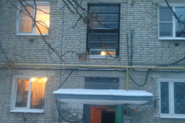 ВГусь-Хрустальном двое мужчин и собачка насмерть отравились газом