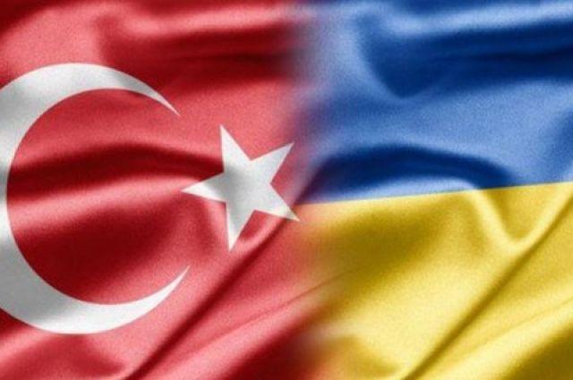 Порошенко иЧавушоглу обсудили создание ЗСТ между Украинским государством иТурцией