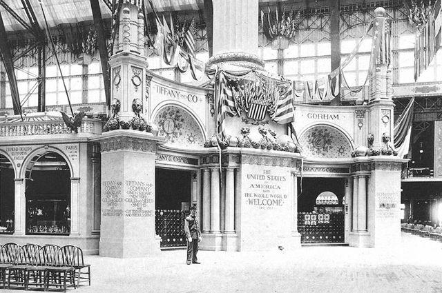 Стенд компании Tiffany & Co на выставке 1893 года.