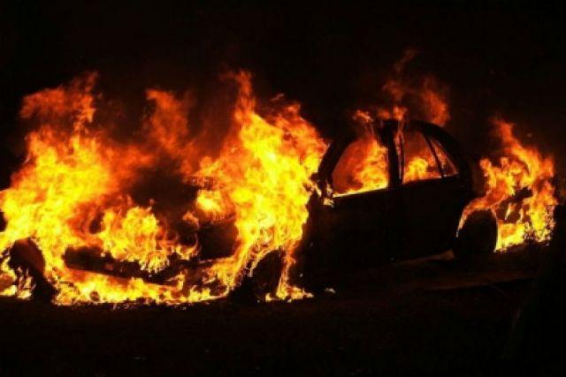 ВНовосибирске на стоянке сгорела иностранная машина