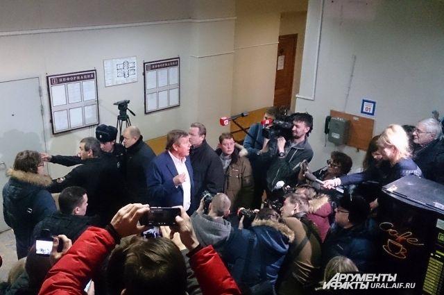 Изучением дела обвиняемого вмошенничестве барда Новикова займетсяСК