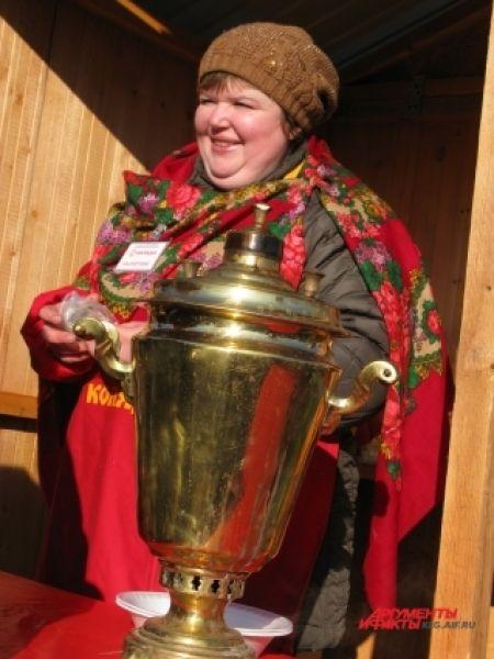 Гостям праздника предлагали отведать ароматный чай.