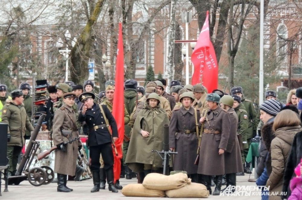 Красноармейцы наступали со стороны сквера имени Жукова.