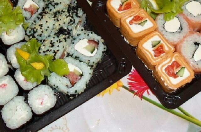 Кулинар «Студии суши» вЕкатеринбурге стал первопричиной отравления 7-ми человек