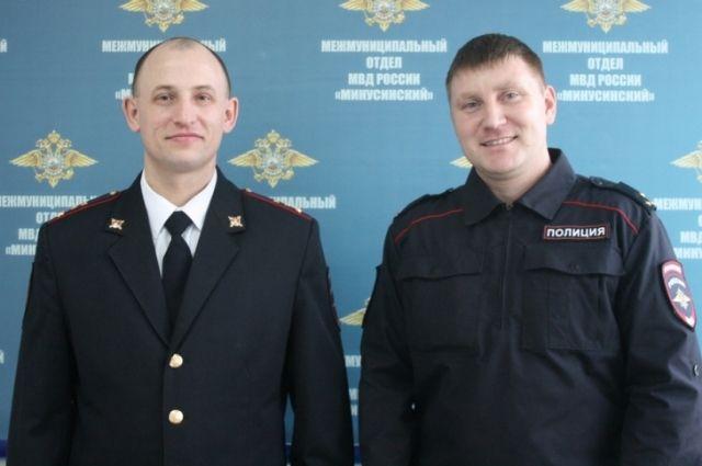Сотрудники уголовного розыска старший лейтенант полиции Станислав Ураков и капитан полиции Григорий Собко по горячим следам нашли похищенный компьютер.