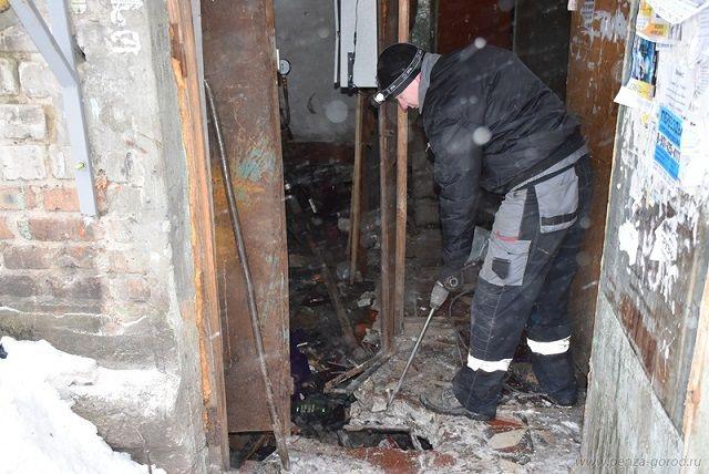 К утру, 14 февраля, ХВС поступило в три подъезда шестиподъездного дома.