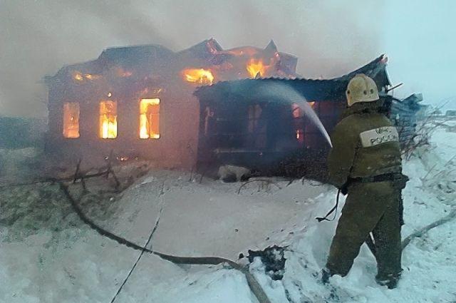 ВТатарстане впожаре всадовом доме умер мужчина