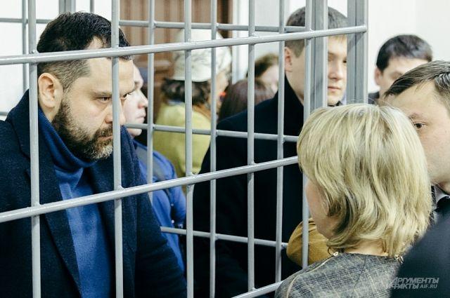 Самым громким стал арест зампредседателя правления Татфондбанка Вадима Мерзлякова.