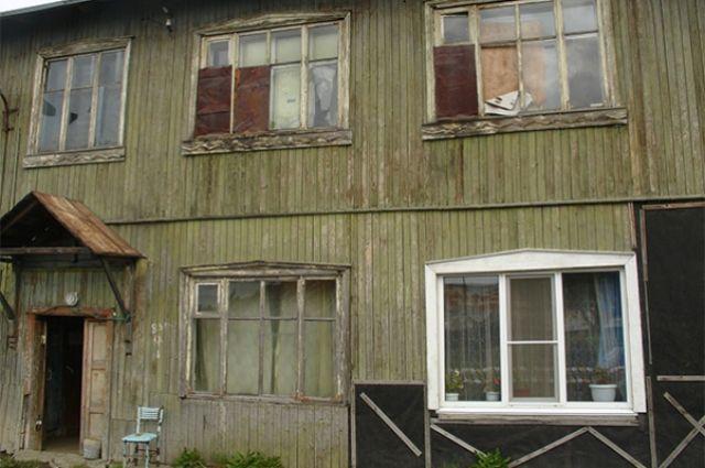 ВНовосибирске насчитали 139 разрушающихся домов сжителями