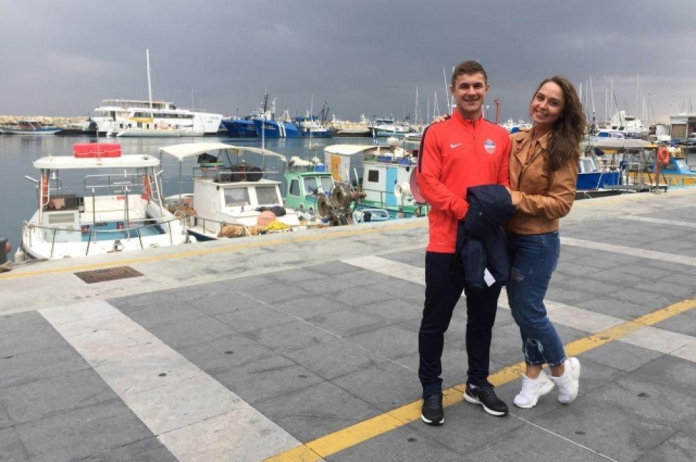Начальник команды Александр Кожевников и его супруга Марийка.
