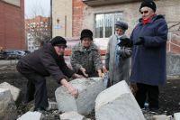 Чтобы судиться за свои права, а уж тем более – с коммерсантами – нужны сотни тысяч рублей.