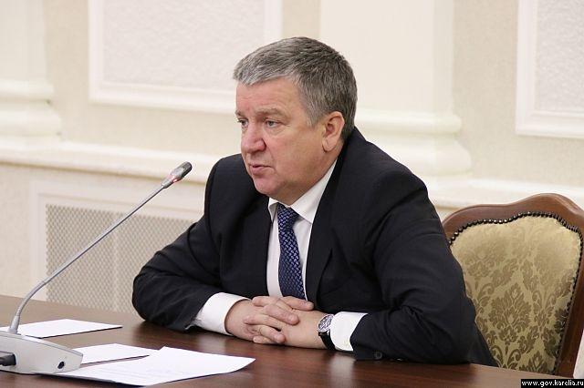 Александр Худилайнен победил оппозицию, но не справился с экономикой