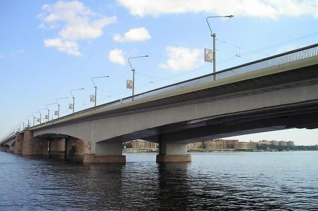 Мост Александра Невского разведут вночь на16 и17февраля