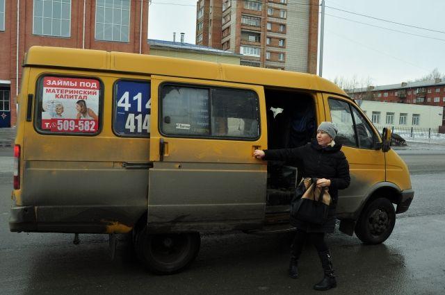 Водитель пояснил, что он направлялся к конечной остановке общественного транспорта, откуда собирался выехать на маршрут.