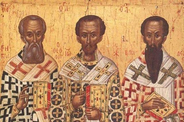 ВВолгоград привезены  частицы мощей Матроны Московской и 3-х  святителей