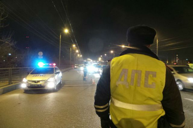ВМоргаушском районе Чувашии «Лада Приора» насмерть задавила лежащего надороге человека